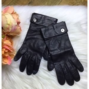 Coach black leather driving gloves.
